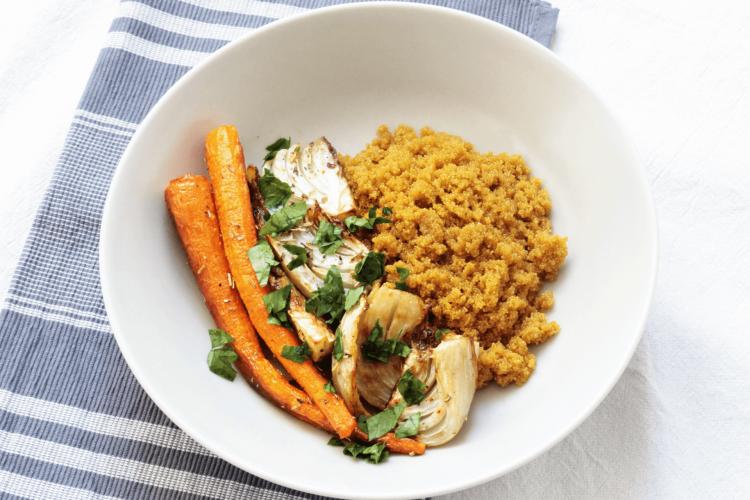 Amaranto alla curcuma con finocchi e carote