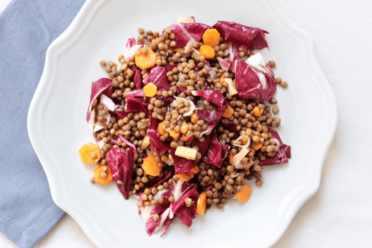 Radicchio salad with lentils and carrots